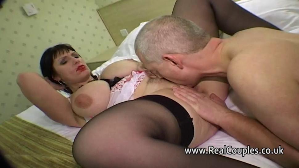 porno-video-onlayn-polizhi-mne