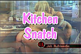 Lipstick lesbian whores in kitchen eating cunt