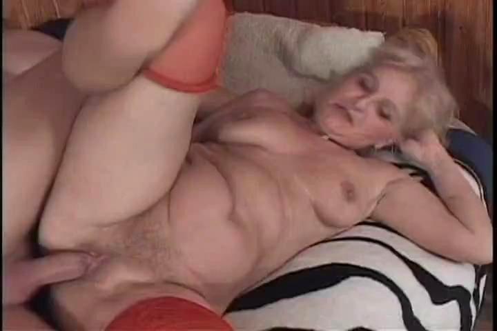 porno-foto-krasivuyu-zhenshinu-trahaet-bomzh