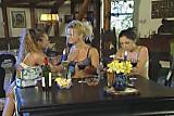 German playful sisters group