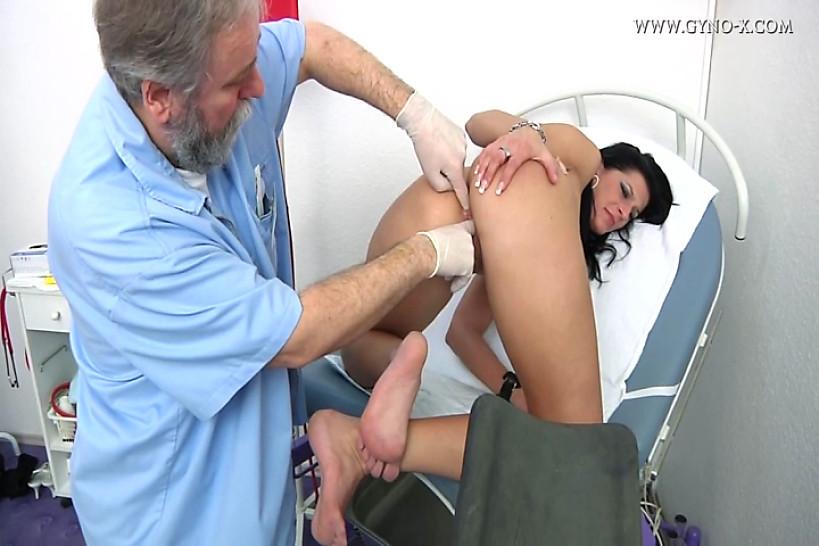 Попы гинеколог порно
