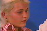 Geile blonde Teen beim Arzt