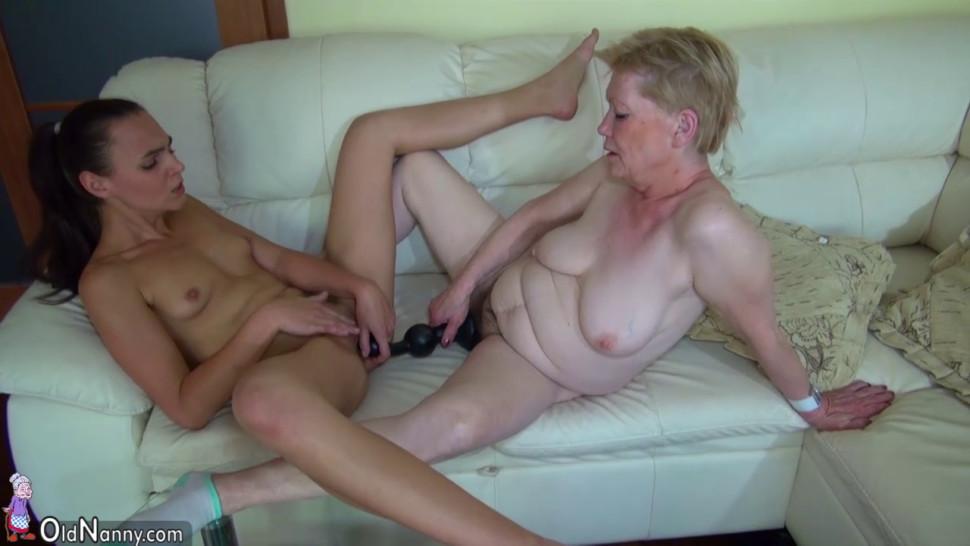 Cтарухи мастурбируют смотреть онлайн