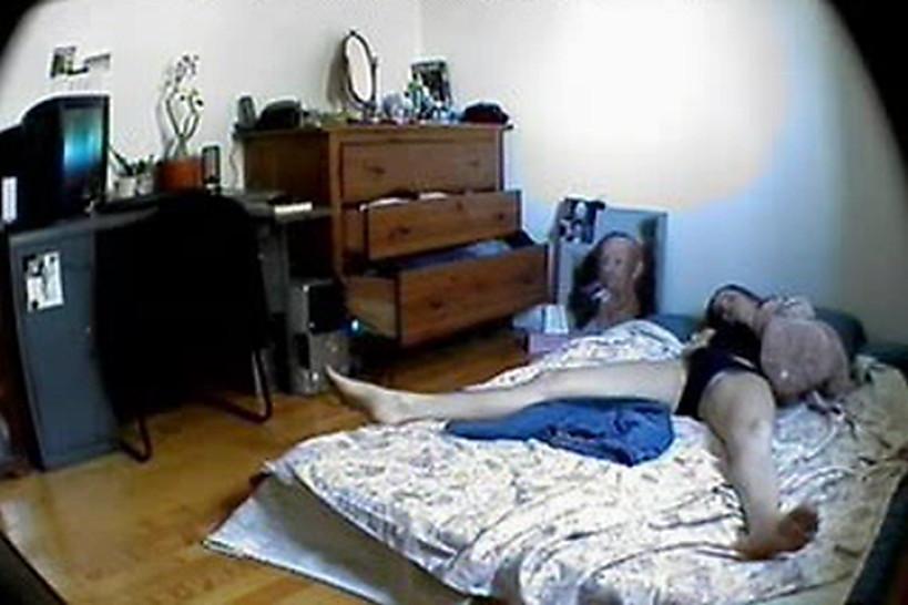 Сестра мастурбация, Сестра мастурбирует, Поймала за, Застала за мастурбацие