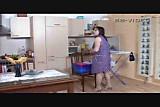 Horny housewife seduces craftsman