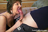 Mature mom gives great head