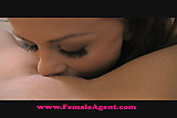 FemaleAgent Everyone loves POV