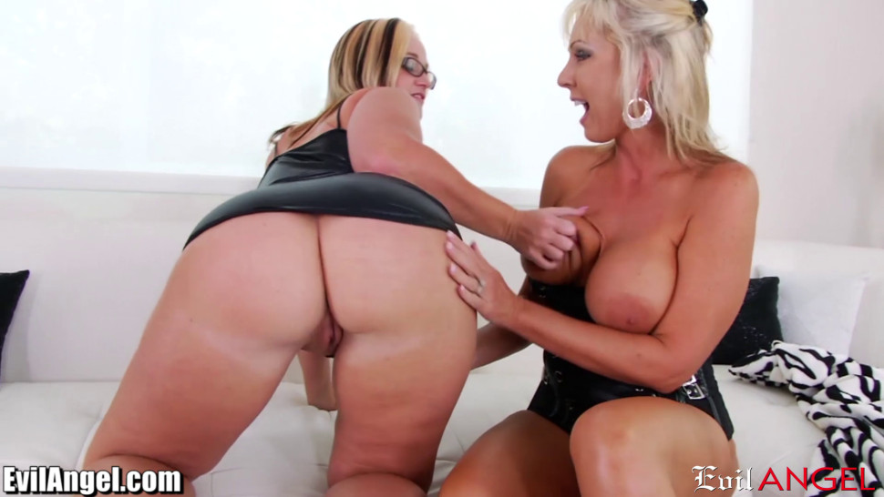 hot moms squirting